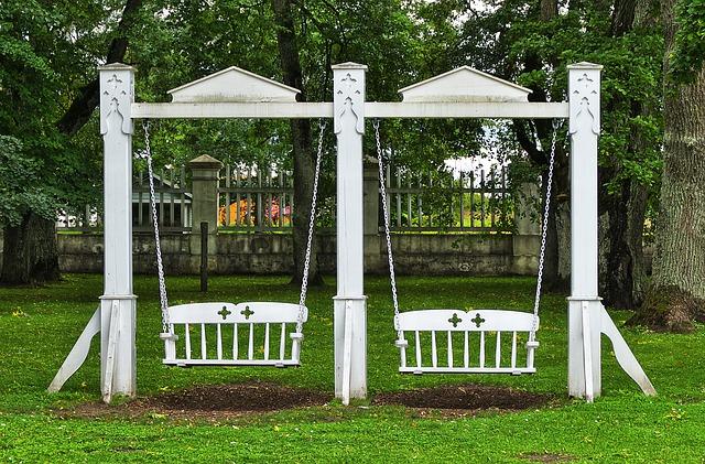 Huśtawka ogrodowa - jak zrobić