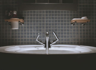 Jak zaaranżować łazienkę? Najważniejsze porady podczas projektowania