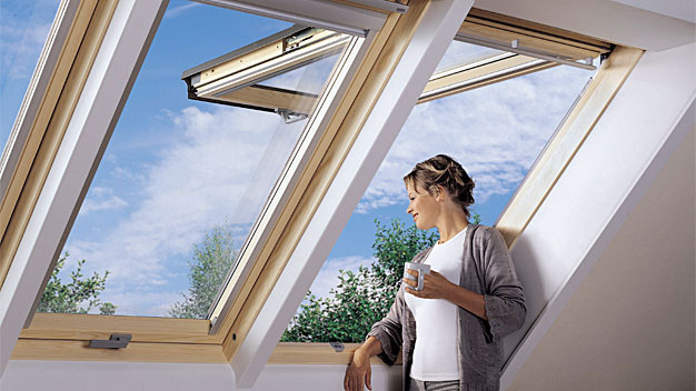 Drewniane funkcjonalne ozdoby okien