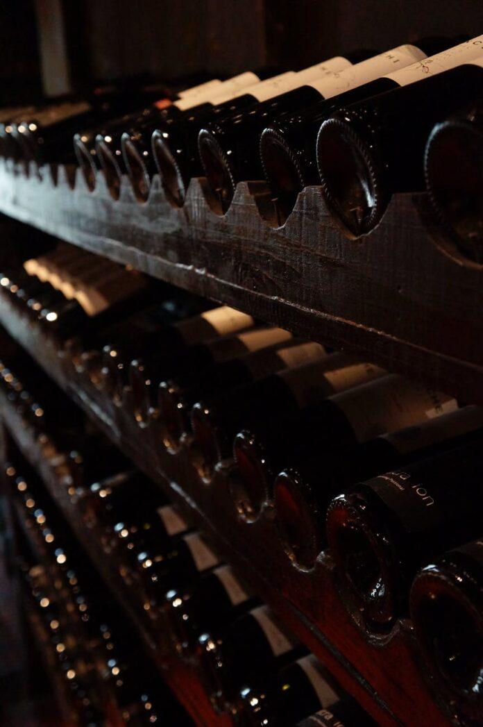 Jak wybrać regał na wino