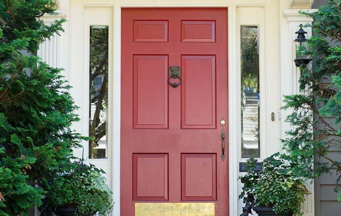 Jakie wybrać drzwi wejściowe do domu